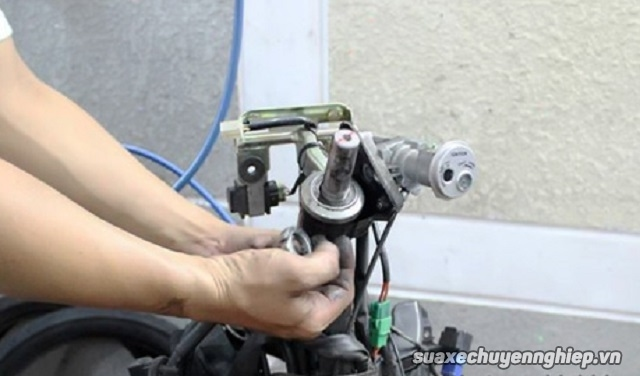 Sửa phuộc chén cổ xe máy mio uy tín tại tphcm - 1