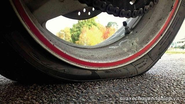 Những thói quen xấu làm hư hỏng xe tay ga - 4