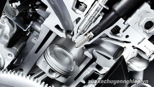 Tìm hiểu hệ thống phun xăng điện tử vs bộ chế hòa khí xe máy - 1