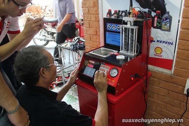 Vệ sinh kim phun xăng điện tử giá rẻ tại sài gòn - 1