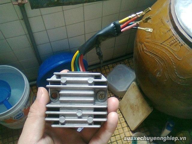 Sự cố nguồn điện xe tay ga và cách khắc phục - 3