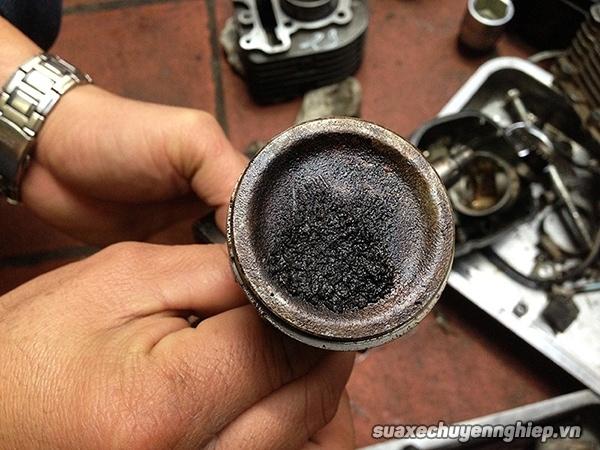 Nguyên nhân xe máy ăn nhớt và cách sửa chữa - 2