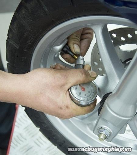 Bảo dưỡng sửa xe tay ga thế nào đúng để xe không hao xăng - 5