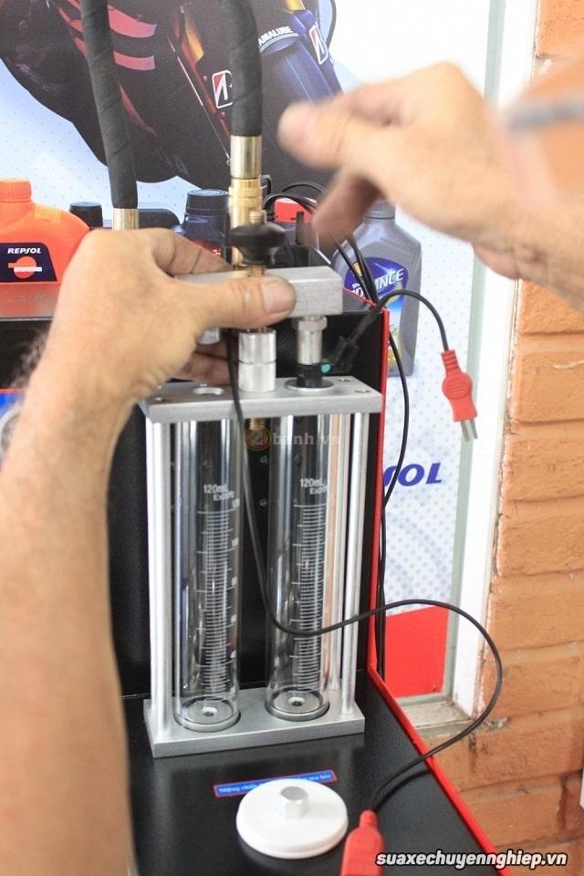 Súc rửa kim phun xăng điện tử giá bao nhiêu - 1
