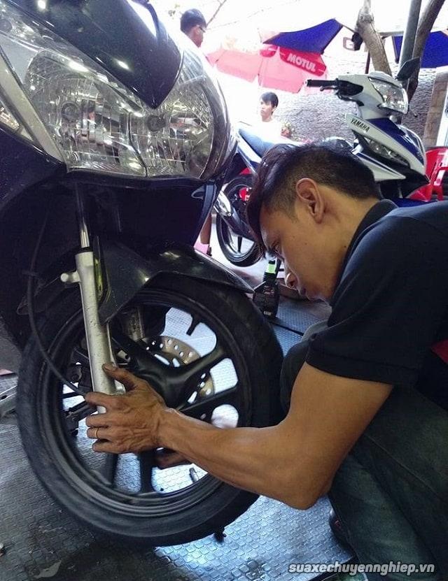 Sửa chữa xe máy ở đâu uy tín tại sài gòn - 1