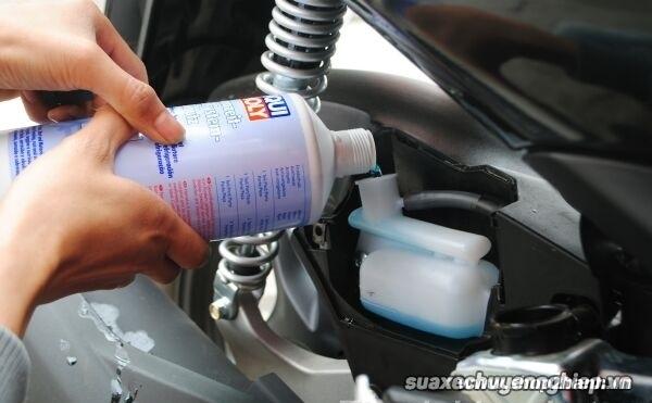 Nước làm mát xe máy bao lâu thì thay mới - 1