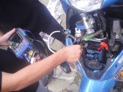 Sử dụng bình ắc quy xe máy đúng cách?