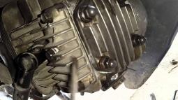 Sửa chữa xe máy bị rò rỉ nhớt ở đâu uy tín ?