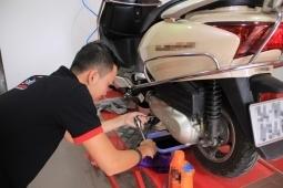 Bảo dưỡng, sửa xe tay ga thế nào đúng để xe không hao xăng?